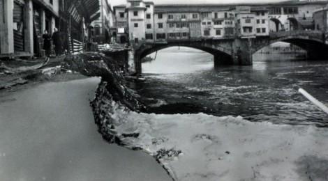 A Firenze posta, fango e acqua